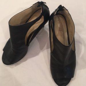 Nine West Gonessa Peep Toe Heels 8.5